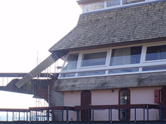 Pagode Remplacement Structure Porteuse par KERTO Lac des Settons MORVAN 2008.jpg